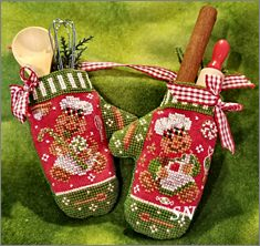 Gingerbread Mittens from Blackberry Lane - click to see more
