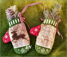 Reindeer In-flight Mitten from Blackberry Lane - click to see more