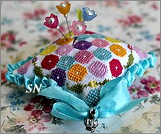 Penelope's Pincushion from Lindy Stitches - click for more