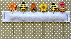 PuntiniPuntini Bees and Flowers Pins - click to see more