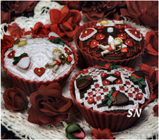Valentine Cupcakes from The Victoria Sampler - click for more
